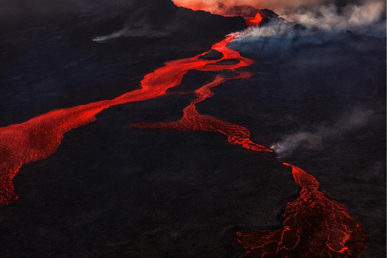 """There is a """"pulse"""" in the earth that causes explosions and mass extinctions"""