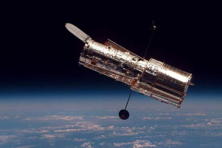NASA plans to fix Hubble and its 47-year-old computer