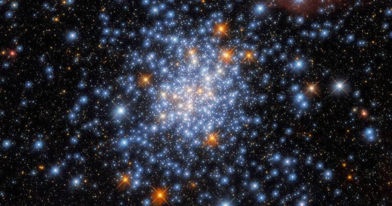 Cosmic diamonds.  Scientists discover one of the most beautiful star clusters (video)
