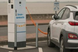 Electric cars, just 70% of the charging points in the three EU countries.  Manufacturers Association threatens two-speed Europe
