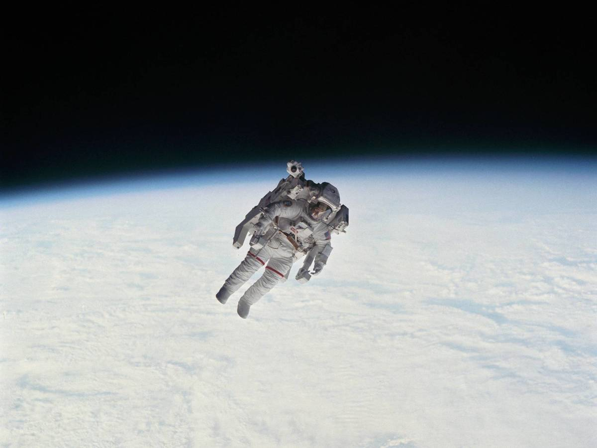 Photo: Astronaut Bruce McCandless walks the first unrestricted spacewalk in history (NASA)