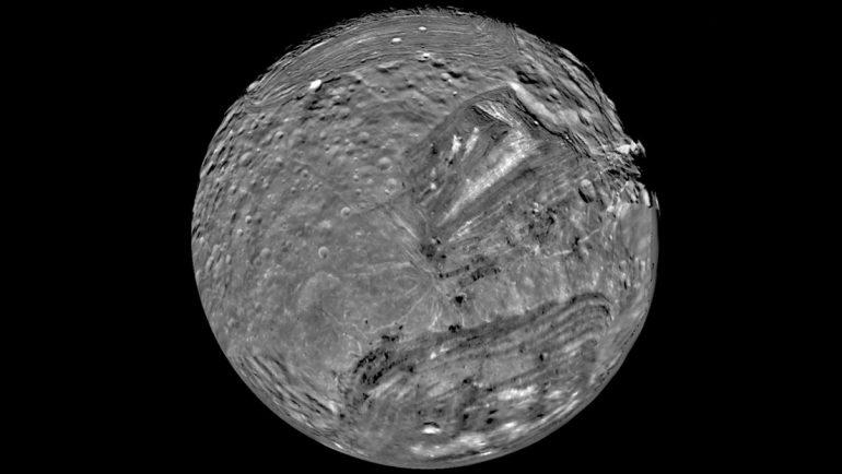 """""""Son mundos extraños que podrían ser ricos en materia orgánica"""": ¿Por qué habría que enviar una sonda a las lunas de Urano y hacerlo antes del 2034?"""