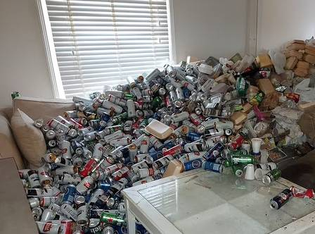 Thousands of empty beer cans were left in an apartment