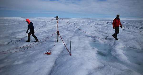 'Anxiety' rain first recorded at highest point in Greenland - International