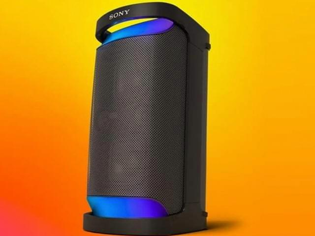 Sony introduces 20 hours battery portable speaker with LED lights