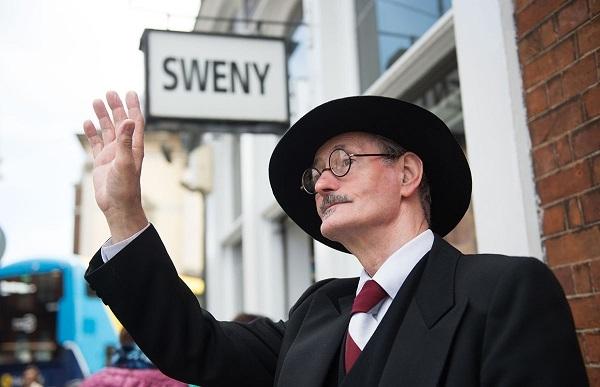 Pendentif de pharmacie Sweeney's Bloomstay