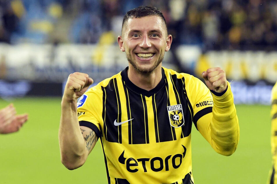 German left-back Maximilian Viteck (26) made a brace and shot Vitese Arnheim into the group stage of the European Conference League.