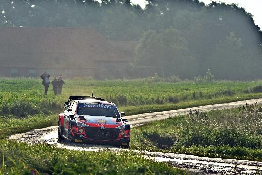 At the end of the second day, Thierry Newville (Hyundai) was still ahead
