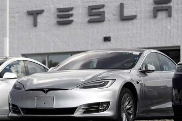 Tesla's autopilot, explore America again