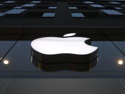 Apple App Store의 재정 구조를 둘러싼 논쟁에서, iPhone 라인업은 미디어 앱 제공업체를 보기 위해 옵니다.  사진: Matthias Schrder/AP/dpa