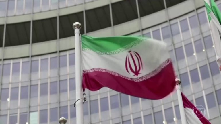 Iranian guards physically harass UN inspectors at uranium enrichment plant