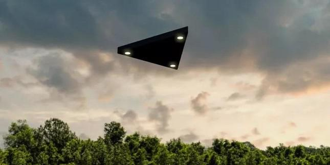 Shocked by strange UFO encounters that no one can explain - 6