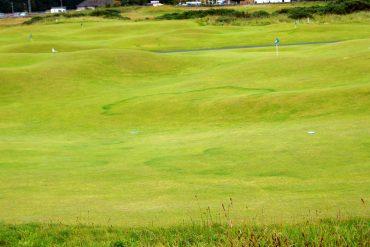 Vacation golfing - Attractive travel destinations