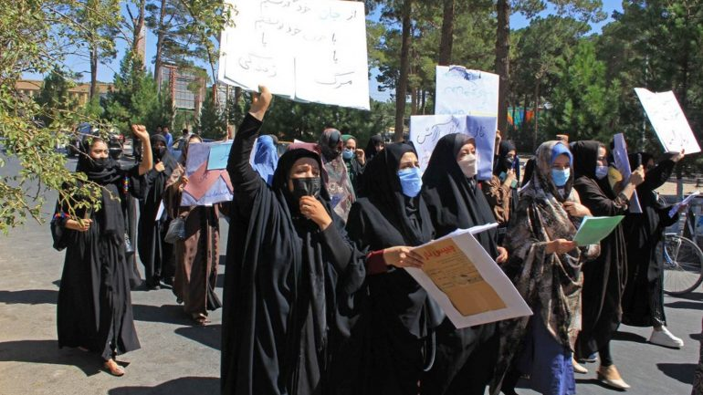 In Herat, Afghan women protested for their rights