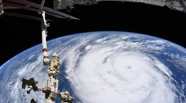 What is an extreme weather event?