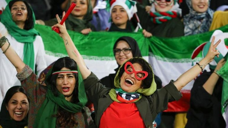 Iran: A sign of hope, women can return to the stadium after two years