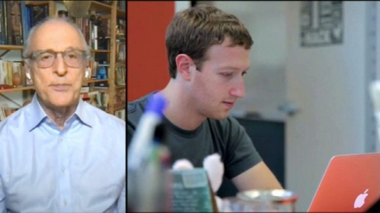 One day after the Facebook, WhatsApp and Instagram crash, Mark Zuckerberg defends himself: 'It's not right that we prioritize profit'    Technology