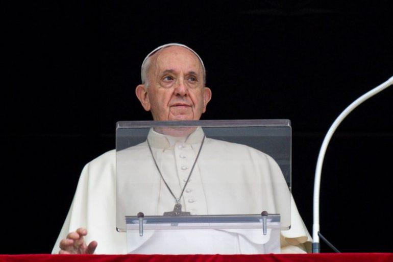 Papa inicia trabalhos do Sínodo e pede Igreja diferente e aberta