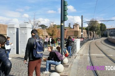 Competitions in Fortessa da Basso, 10,000 of whom are trying to enter the municipality and the metropolitan city.  But there are a few dozen places