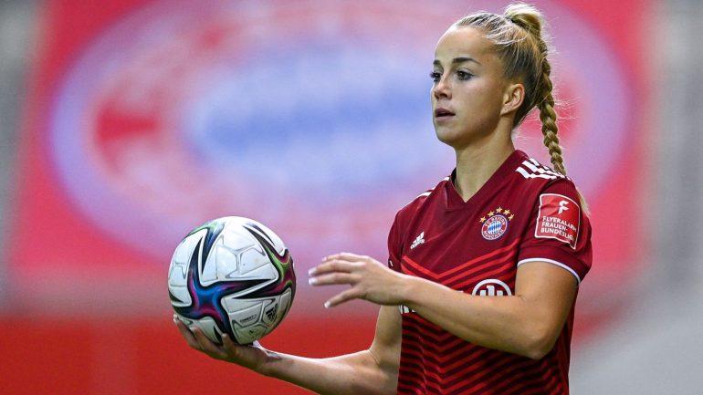 DFB Women: Julia Gwyn returns to World Cup qualifiers