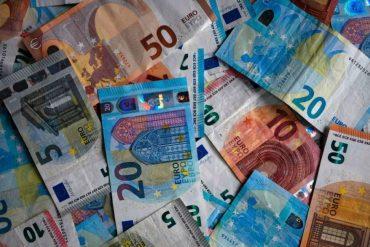 Irish banks use multi-billion euros in tax evasion