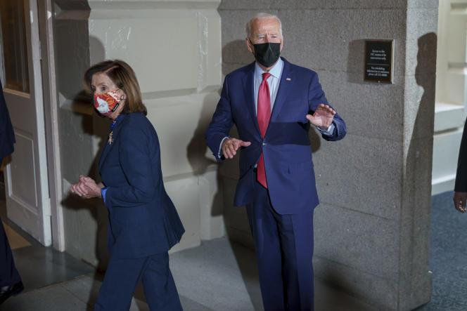 Joe Biden with House Speaker Nancy Pelosi on October 1, 2021 in Washington.
