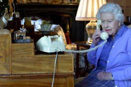 """Queen Elizabeth must """"rest.""""  No travel to Northern Ireland"""