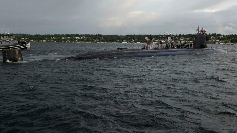 US nuclear submarine crashes into China Sea